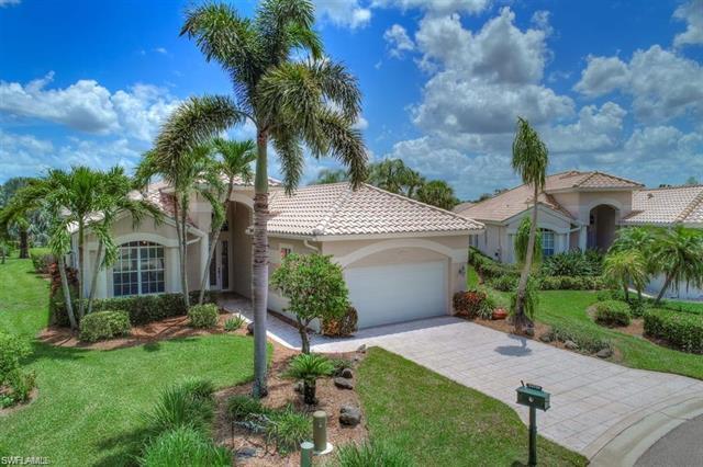 24729 Goldcrest Dr, Bonita Springs, FL 34134