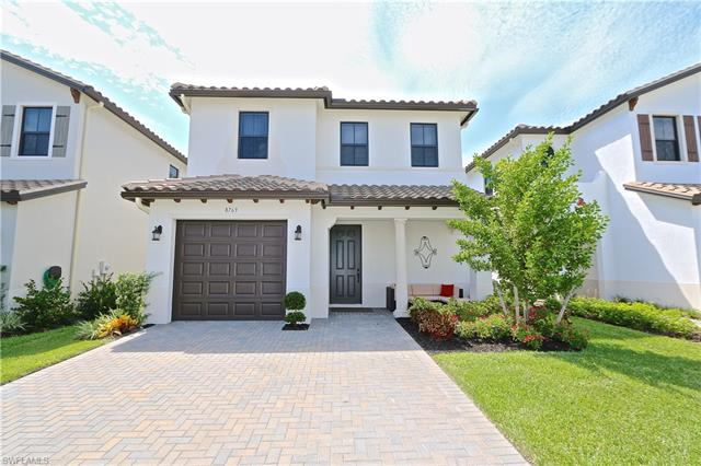 8769 Madrid Cir, Naples, FL 34104
