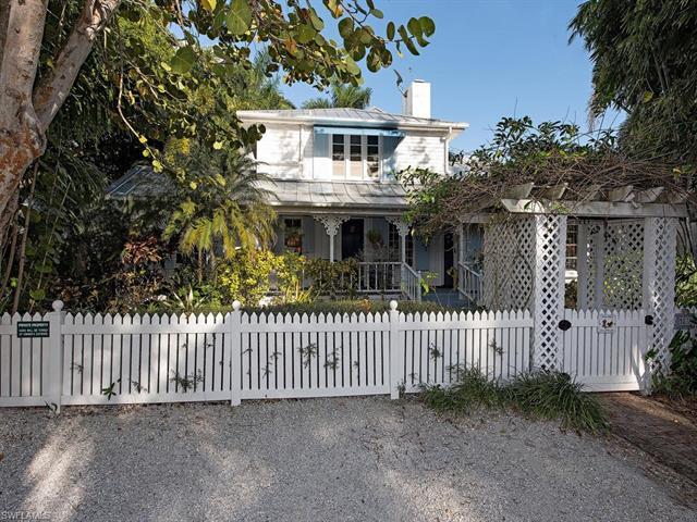 1835 Gulf Shore Blvd S, Naples, FL 34102