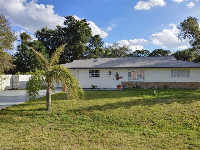 7270 Kumquat Rd, Fort Myers, FL 33967