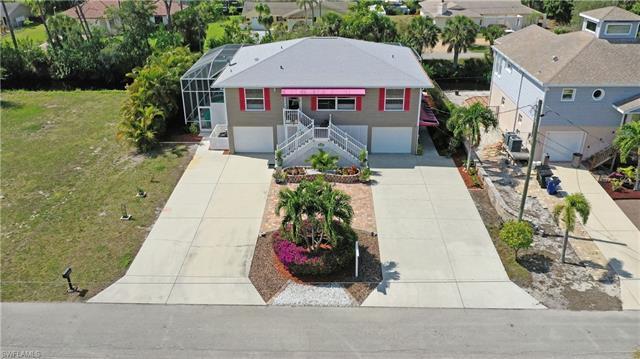 27090 Belle Rio Dr, Bonita Springs, FL 34135