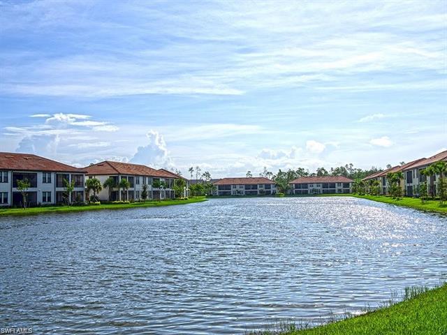15098 Palmer Lake Cir 205, Naples, FL 34109
