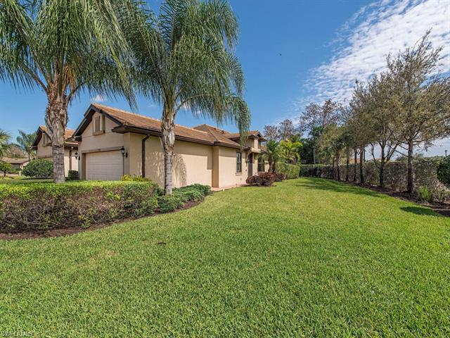 7098 Live Oak Dr, Naples, FL 34114
