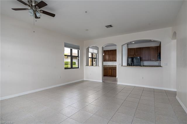 1395 Santiago Cir 1002, Naples, FL 34113