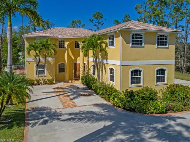 5645 Spanish Oaks Ln, Naples, FL 34119