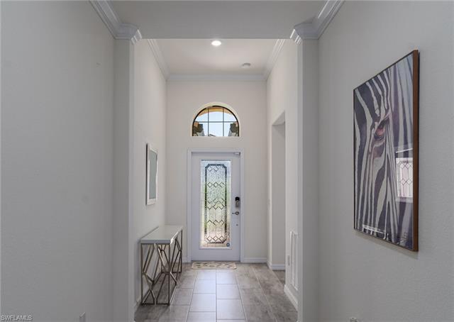 1561 Vizcaya Ln, Naples, FL 34113