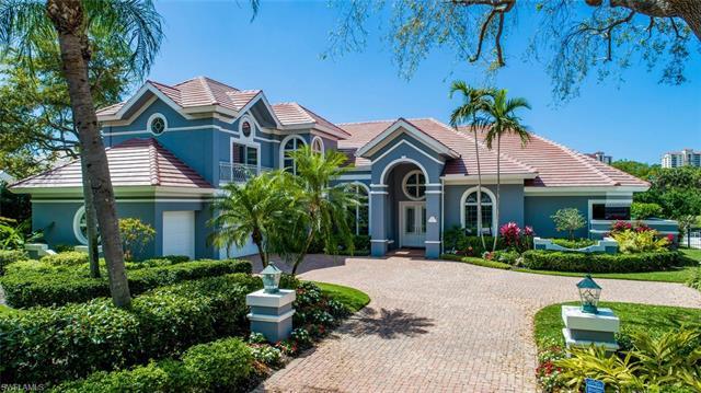 6919 Greentree Dr, Naples, FL 34108