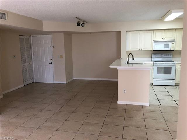 1275 Wildwood Lakes Blvd 2-104, Naples, FL 34104