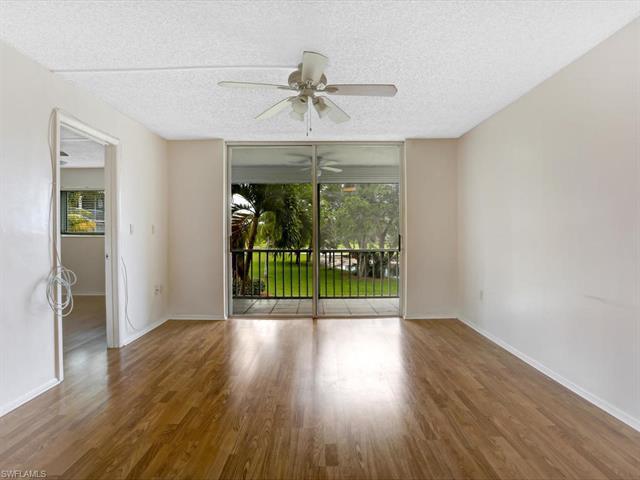 100 Forest Lakes Blvd 209, Naples, FL 34105