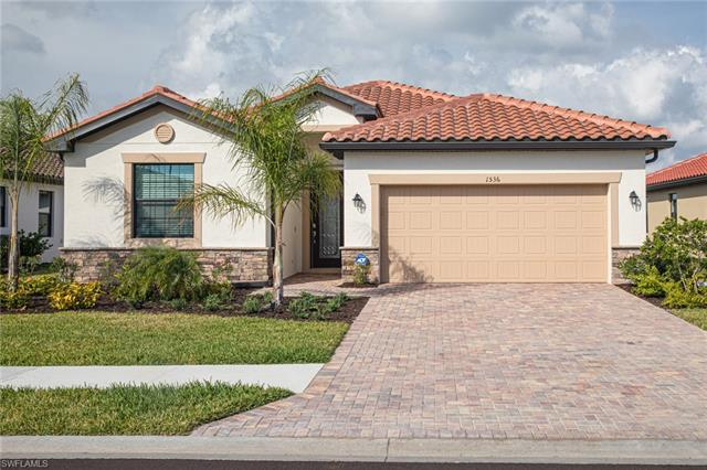1536 Santiago Cir, Naples, FL 34113