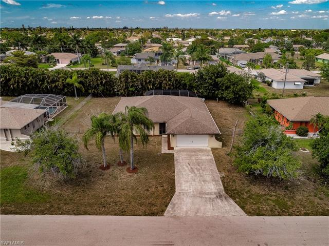 1833 6th Ln, Cape Coral, FL 33990
