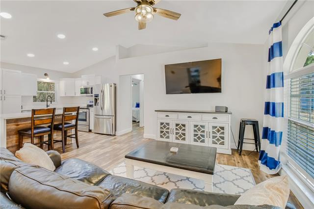 663 12th Ave Nw, Naples, FL 34120