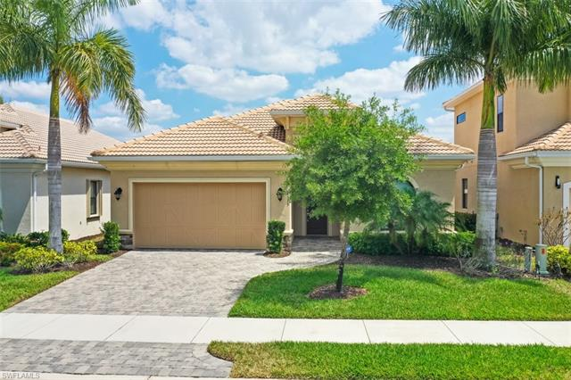 1533 Serrano Cir, Naples, FL 34105