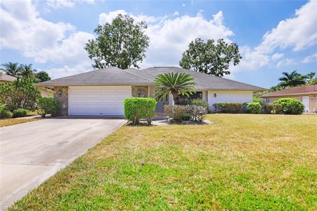 58 Willoughby Dr, Naples, FL 34110