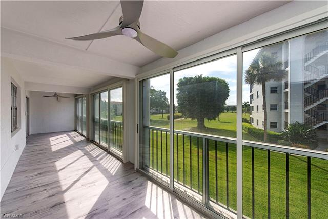 5 High Point Cir W 205, Naples, FL 34103