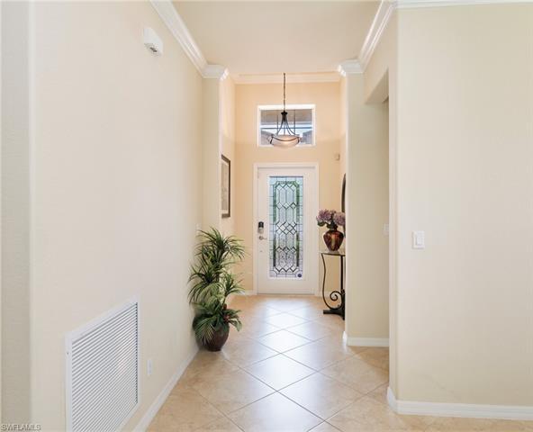 8143 Monticello Ct, Naples, FL 34104