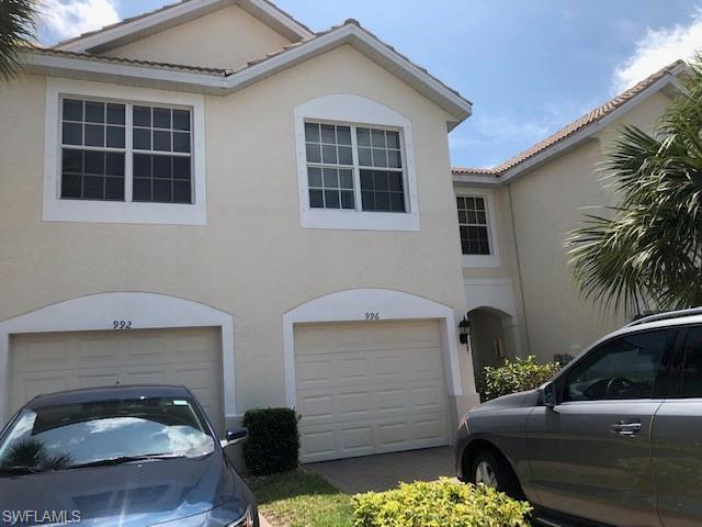 996 Hampton Cir 71, Naples, FL 34105