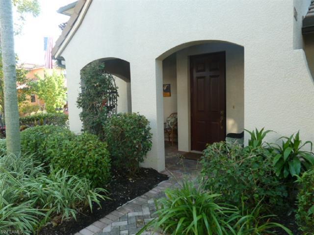 1367 Artesia Dr E 301, Naples, FL 34113