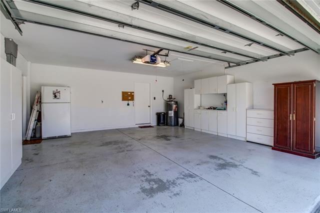 649 Lambton Ln, Naples, FL 34104