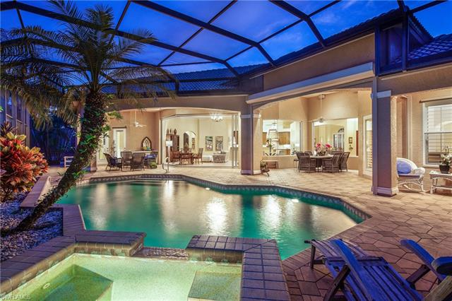 2944 Gardens Blvd, Naples, FL 34105