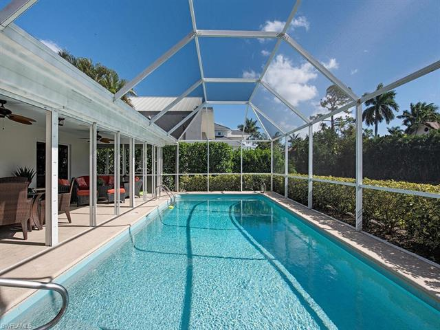 124 14th Ave S, Naples, FL 34102
