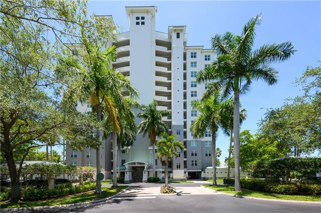 430 Cove Tower Dr 304, Naples, FL 34110