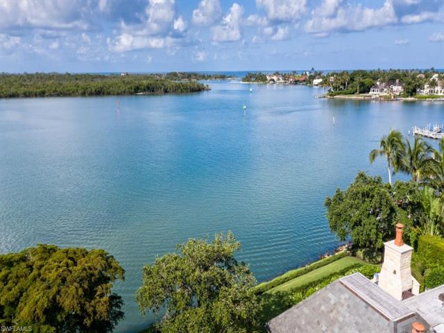 600 Admiralty Parade W, Naples, FL 34102