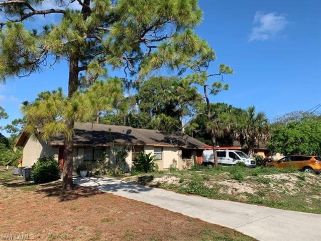 17404/406 Carnegie Cir, Fort Myers, FL 33967