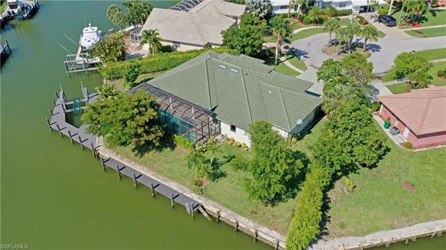 366 Grapewood Ct, Marco Island, FL 34145