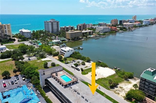 260 Southbay Dr 111, Naples, FL 34108