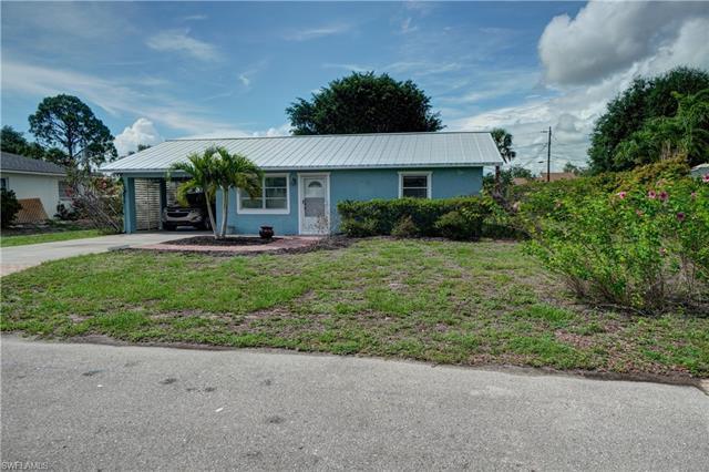 27610 Roslin Dr, Bonita Springs, FL 34135