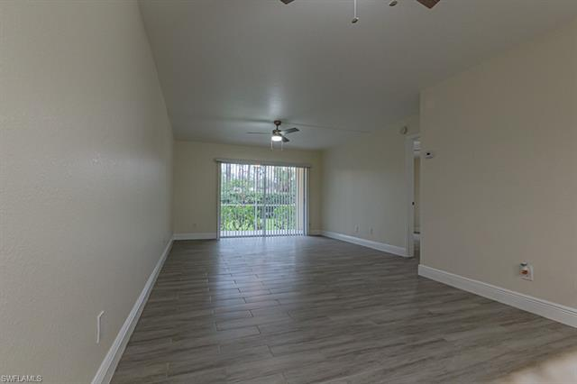 2562 Kings Lake Blvd, Naples, FL 34112