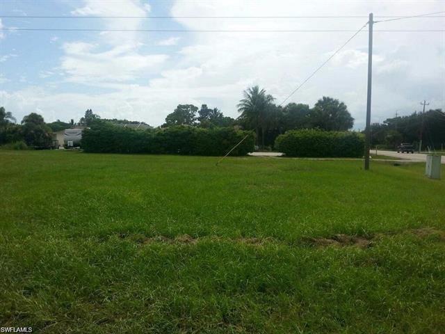 27010 Holly Ln, Bonita Springs, FL 34135