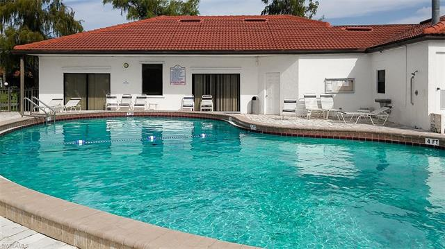 1054 Forest Lakes Dr H-202, Naples, FL 34105