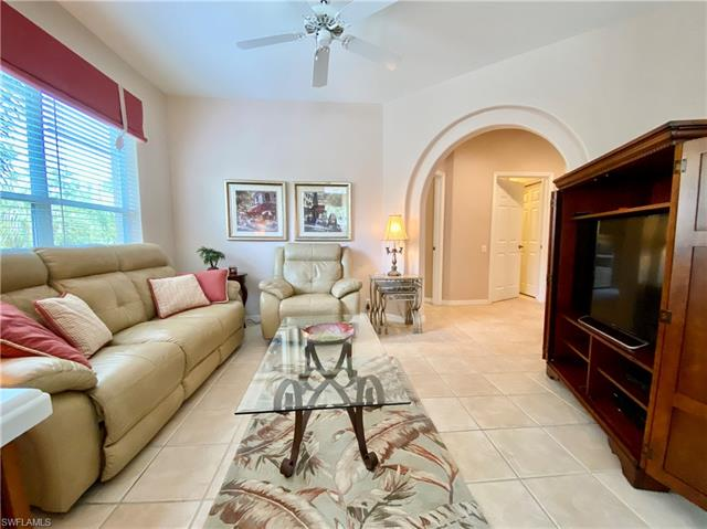 8525 Danbury Blvd 205, Naples, FL 34120