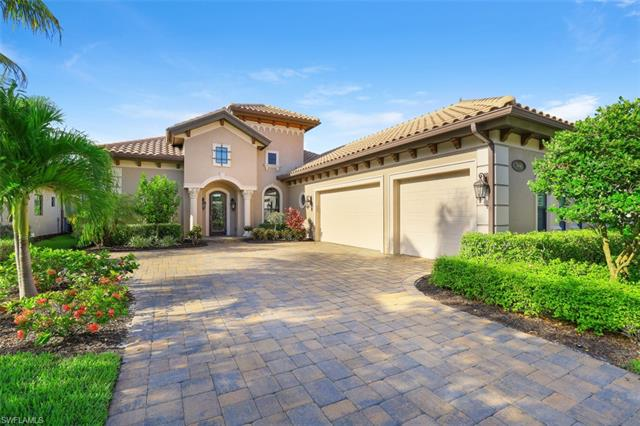7446 Lantana Cir, Naples, FL 34119