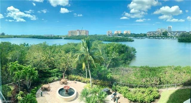 420 Cove Tower Dr 402, Naples, FL 34110