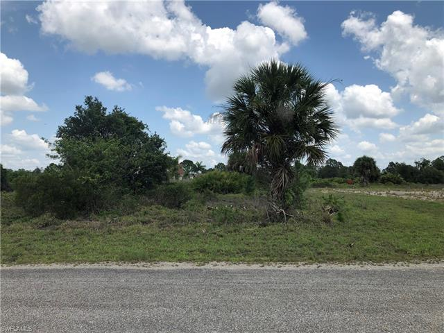 743 Foxtail St E, Lehigh Acres, FL 33974