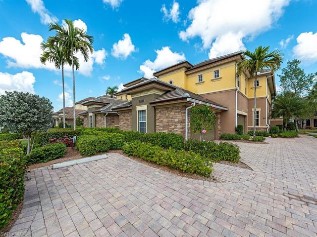 8775 Coastline Ct 5-202, Naples, FL 34120