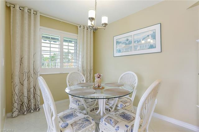 1265 Wildwood Lakes Blvd 3-201, Naples, FL 34104