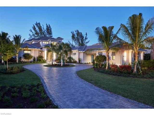 197 Caribbean Rd, Naples, FL 34108
