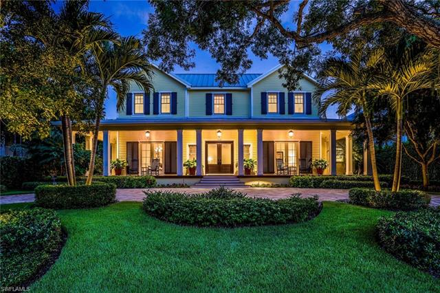 160 3rd Ave S, Naples, FL 34102