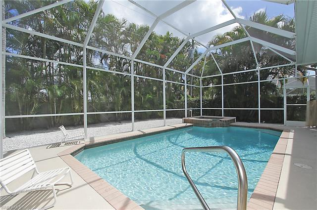 577 110th Ave N, Naples, FL 34108