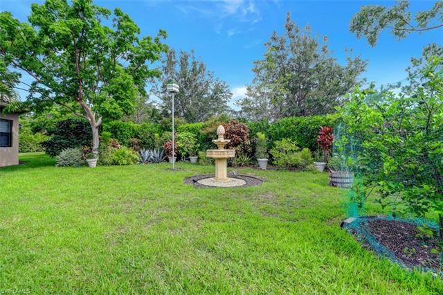 3987 Bering Ct, Naples, FL 34119