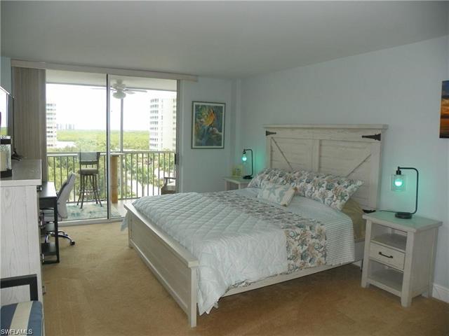 3 Bluebill Ave 708, Naples, FL 34108