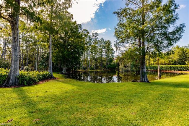 6911 Livingston Woods Ln, Naples, FL 34109