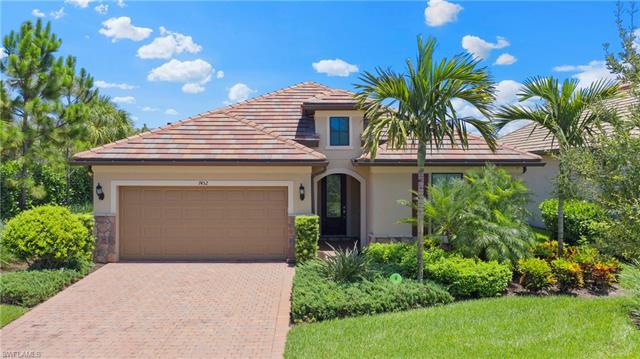7452 Blackberry Dr, Naples, FL 34114