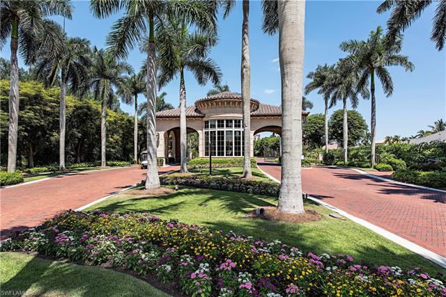 8990 Bay Colony Dr 203, Naples, FL 34108