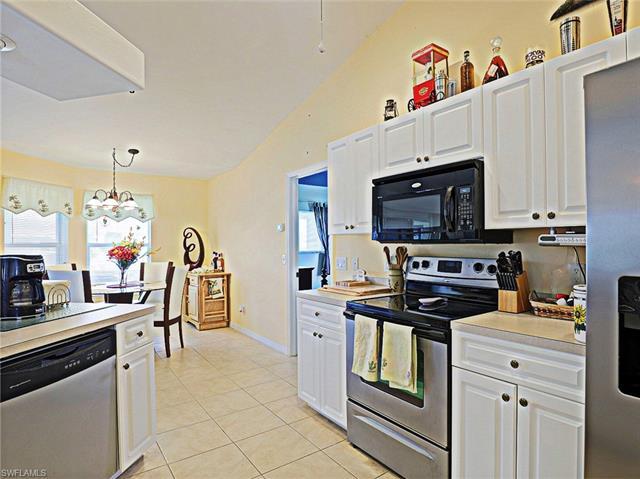 1049 34th Ave, Cape Coral, FL 33993