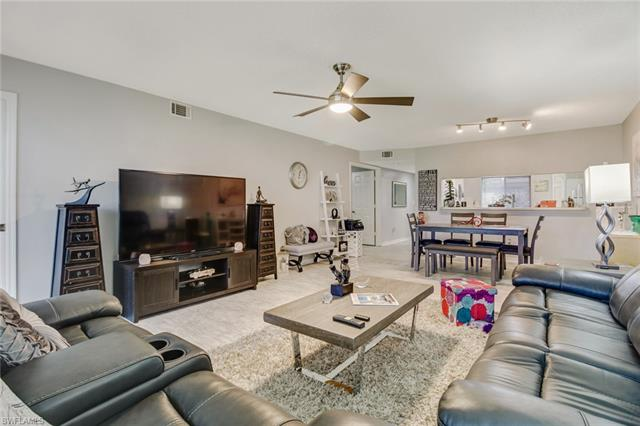192 Furse Lakes Cir H-2, Naples, FL 34104
